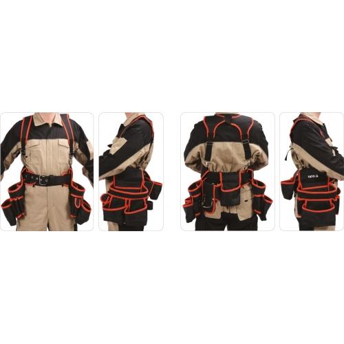 Pas narzędziowy na szelkach z dwiema zakładanymi sakwami.